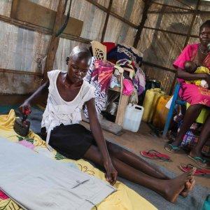 Oxfam: 62 supermiliardari hanno quanto la metà più povera della popolazione