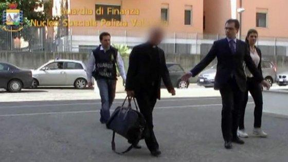 Ior, monsignor Scarano condannato a due anni per calunnia