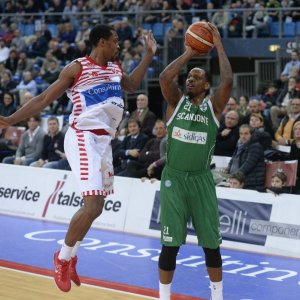 Basket: Nunnally e Buva super, Avellino espugna Pesaro