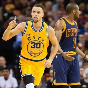 Basket, Nba: Golden State umilia Cleveland, Curry asfalta LeBron
