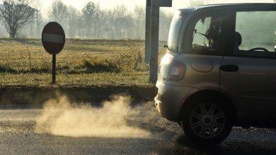 """Ue, proposta choc sulle automobili  """"Raddoppiamo i limiti delle emissioni"""""""