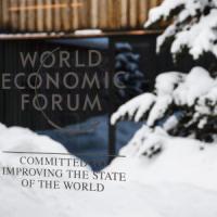 Davos: per i manager, troppe regole e troppe tasse in uno scenario troppo complesso