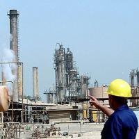 Petrolio sempre meno caro ma per le famiglie mini-sconti