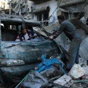 Lo Stato Islamico libera 270 dei civili rapiti a Deir Ezzor, in Siria