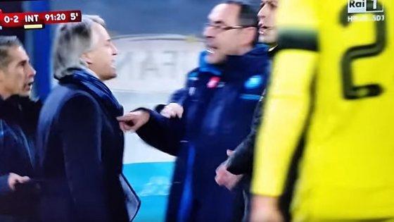 """Il linguaggio omofobo di Sarri, una """"normalità"""" da sradicare nel calcio"""