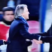 Sarri e le offese a Mancini: rischia quattro mesi di squalifica. Il tecnico: