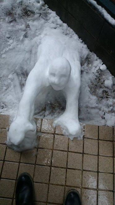 Neve a Tokyo, fiocchi di creatività tra manga e sculture