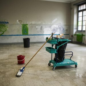Multa Antitrust da 110 milioni: cartello tra le società di pulizie nelle scuole