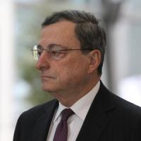 Le Borse Ue corrono con la promessa di Draghi di rivedere la politica monetaria