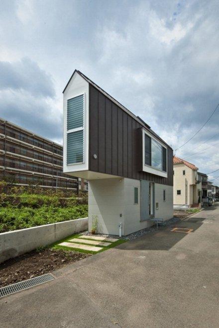 Giappone, tutto in 50 metri quadri: la casa è più grande grazie alla prospettiva