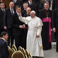 Giubileo, il Papa ai preti e volontari: