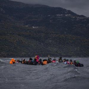 Migranti, naufragi nell'Egeo: almeno 45 morti, 20 bambini