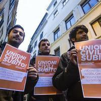 Unioni civili, al Senato  valanga di emendamenti al ddl Cirinnà. Renzi: