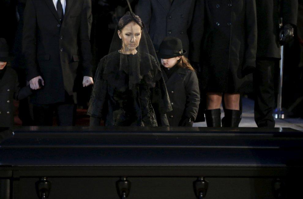 L'addio di Celine Dion al marito René Angélil: il funerale del manager canadese