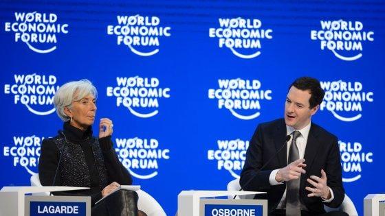 """Lagarde a Davos: """"Preoccupati per Brexit"""". Padoan: """"Banche solide"""""""