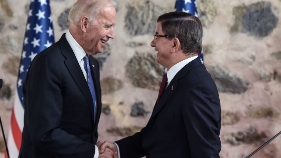 """Usa, Biden a Istanbul: """"Pkk per la Turchia è minaccia come lo Stato Islamico"""""""