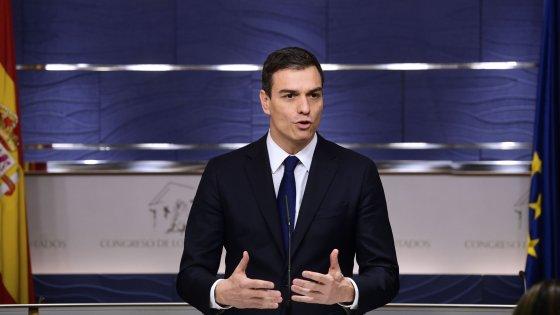 """Spagna, Sanchez sfida Rajoy: """"Provi a ottenere la fiducia o si faccia da parte"""""""