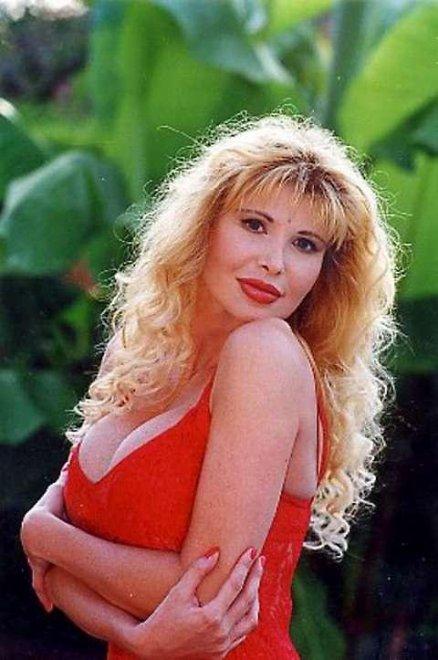 Muore a 52 anni Barbarella: star del porno con Ilona e Moana
