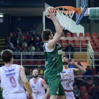 Basket, serie A: Reggio Emilia cade ad Avellino, la vetta è a rischio