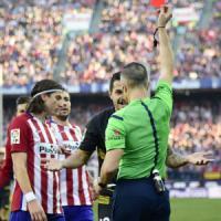 Spagna: Atletico fermato dal Siviglia, anche il Barcellona in testa. Il Real frena