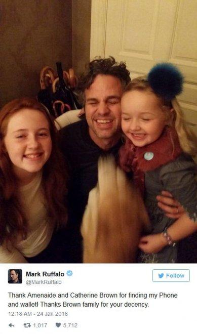 Mark Ruffalo perde cellulare e portafoglio: li ritrova grazie a Twitter