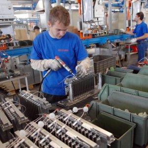 Segnali contrastanti dall'industria italiana: giù il fatturato, meglio gli ordini