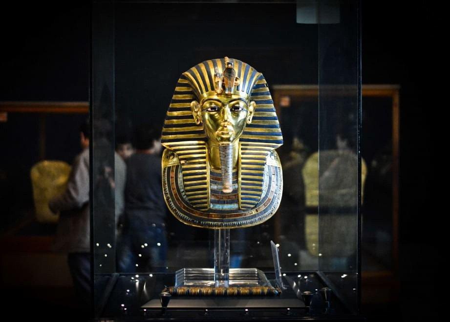 Il Cairo, a processo otto impiegati Museo egizio: danneggiarono maschera di Tutankhamon