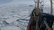La nave che studia il clima  bloccata dai ghiacci   di STEFANO VALENTINO