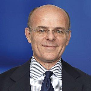 Greco lascia le Generali, il titolo perde il 3% a Piazza Affari