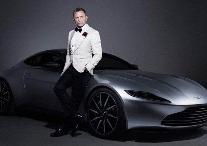 All'asta l'Aston Martin di 'Spectre': stima milionaria per l'auto di 007