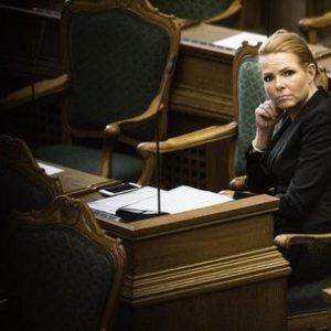 La Danimarca approva norme sul 'prelievo' ai migranti