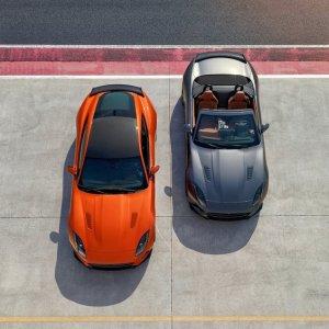 Nuova F-Type SVR, la Jaguar mostra i muscoli