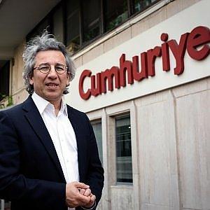 Turchia, chiesto l'ergastolo per i giornalisti di Cumhuriyet