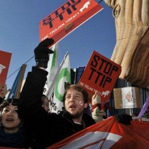Commercio: con gli accordi TTIP i piccoli imprenditori dell'agroalimentare saranno schiacciati