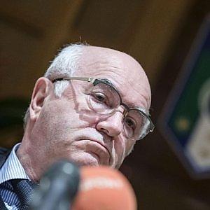 """Figc, i piani di Tavecchio: """"Anticipare finale di Coppa Italia e prova tv anche per insulti razzisti"""""""