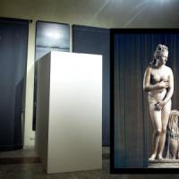 Statue coperte, l'ira di Renzi: