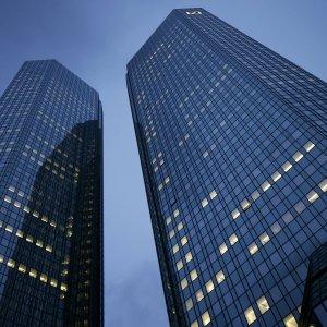 Deutsche Bank in rosso per 6,8 miliardi: pesano cause e ristrutturazione