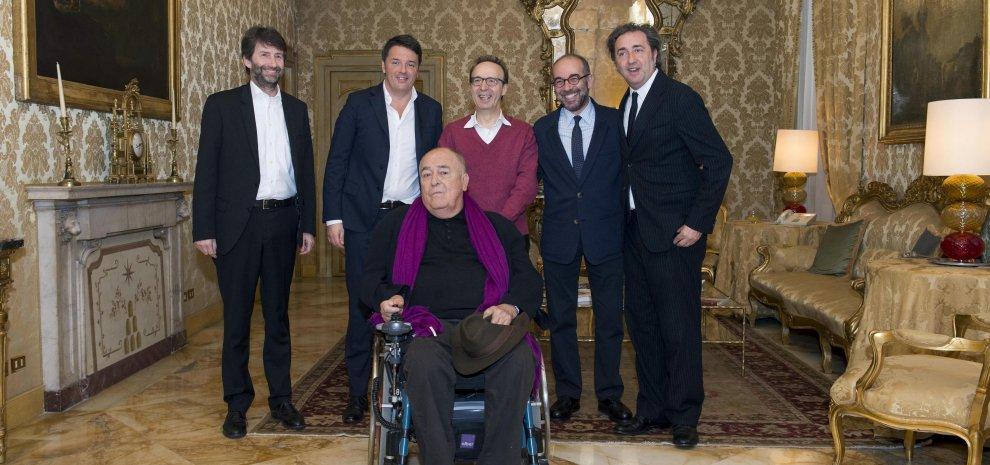 """Registi da Oscar a Palazzo Chigi. Benigni: """"Renzi ci ha accolto nudo come le statue"""""""