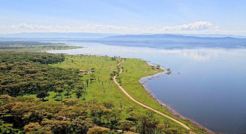 Lake Nakuru, safari show -   ft