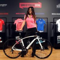 Giro d'Italia, le maglie saranno social. Giorgia Palmas la madrina