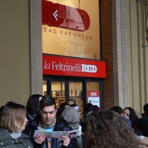 Accordo Sky-Feltrinelli: laeffe va sul satellite, spazio alla pay-tv nelle librerie
