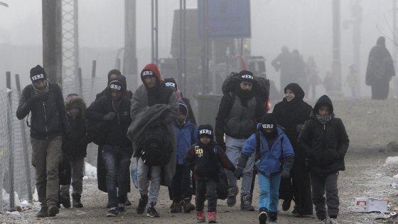"""Migranti, il rebus delle espulsioni: """"Rimpatri impossibili senza accordi"""". Nella Ue ogni Stato ha le sue regole"""