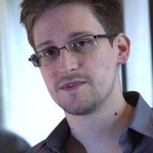 """Medio Oriente, Snowden: """"Droni e aerei di Israele sorvegliati da Usa e Gb"""""""