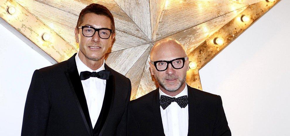 Dolce e Gabbana, famiglia gay sulle borse. A marzo scorso la polemica con Elton John