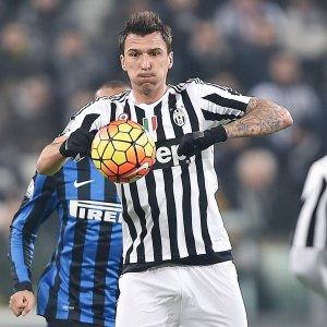 Juventus, doppia tegola per Allegri: Mandzukic e Asamoah ko