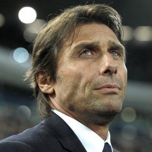 Mercato, il Chelsea ha scelto Conte. Eder abbraccia l'Inter
