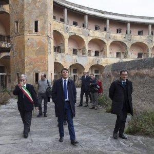 """Renzi e Franceschini a Ventotene. Il premier: """"Non permetteremo distruzione Schengen e Ue"""""""