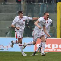 Serie B, il Crotone cade e lascia il Cagliari in vetta. Pescara a -5 dal secondo posto