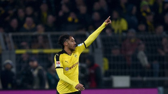 Germania: Aubameyang scatenato, il Dortmund si porta a -5 dal Bayern