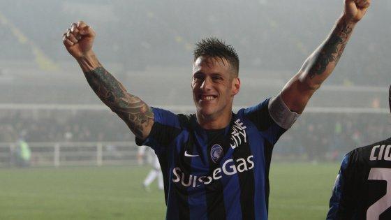 Atalanta-Sassuolo 1-1, Denis saluta Bergamo e l'Italia con un gol